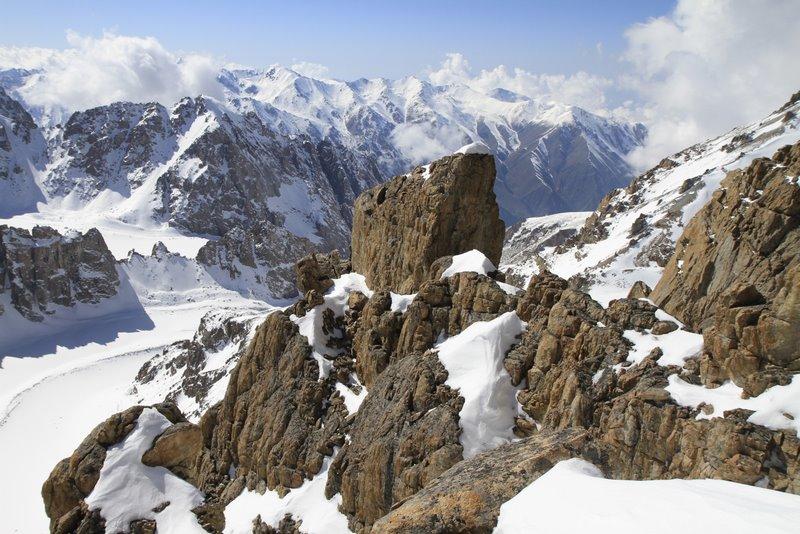 Вид из-под вершины